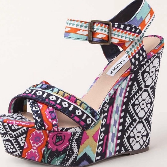 d00c277384 Steve Madden Winonna Aztec Print Wedge Heels. M_5c4b2575baebf6dff53c32c5